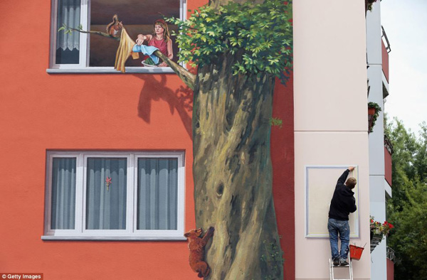 Apartment Block Mural, by CiteCreation
